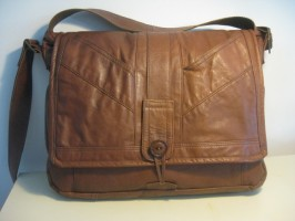 15″ MacBook Pro Leather HENRY Messenger Bag