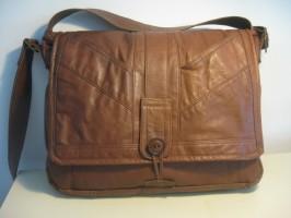 15″ MacBook Pro Leather HENRY Messenger Bag