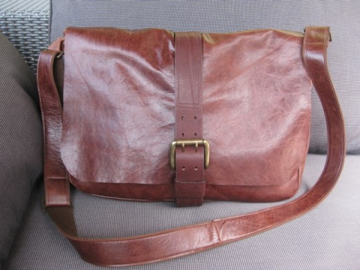 MacBook Pro Distressed HENRY Messenger Leather Bag